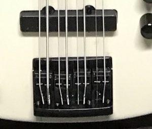 Test fitting strings in the bridge