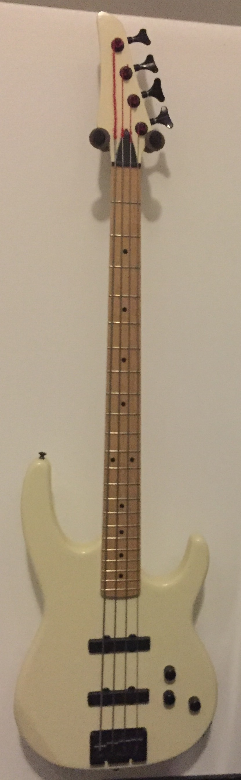 Carvin B4 Bass